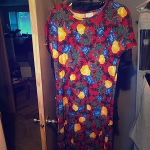 Long Maria dress with flowers on it